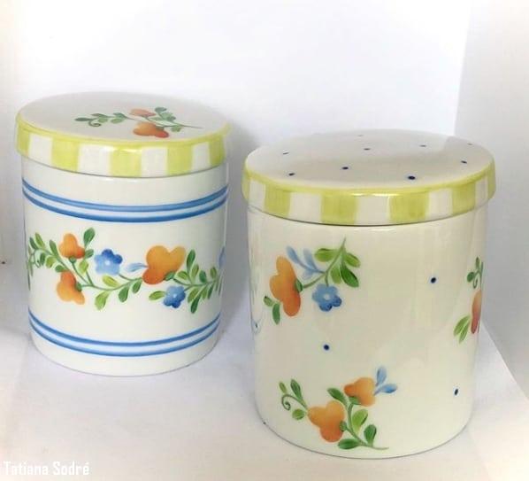 kit de potinhos para quarto de bebe decorados com tema floral